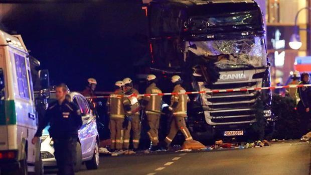 Berlín:Un camión embistió contra un mercado navideño, al menos 9 muertos y 50 heridos