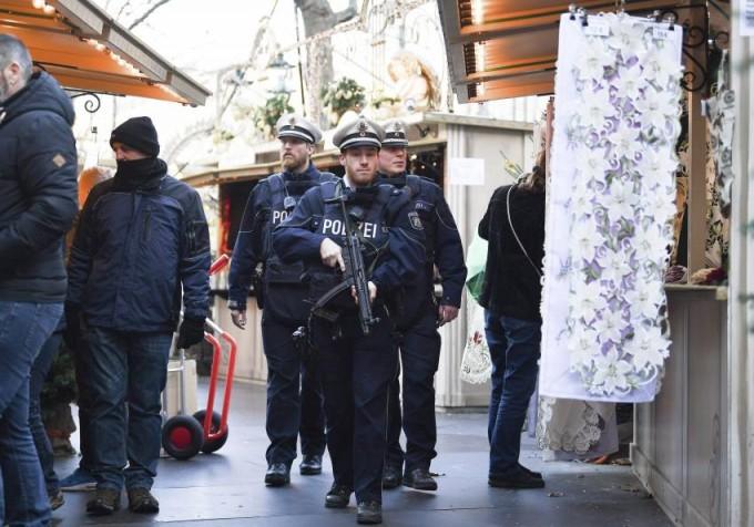 Un testigo de la matanza de Berlín siguió a pie al sospechoso y ayudó a detenerlo