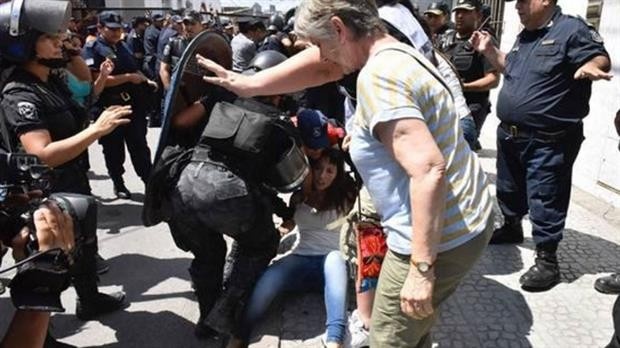 Juicio Oral a Milagro Sala: militantes kirchneristas se enfrentaron con la policía y hay detenidos