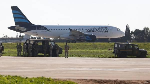 Malta:secuestran un avión con 118 pasajeros a bordo