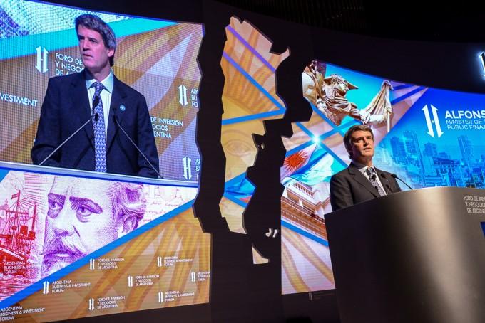 Los medios extranjeros hablan de la primera gran crisis de Macri y de recesión