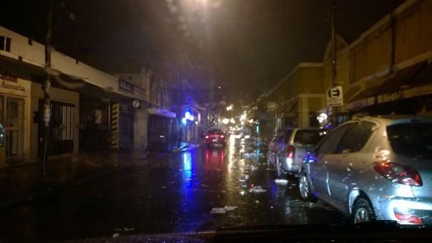 El fuerte temporal de ayer dejò 40 evacuados, calles y barrios inundados