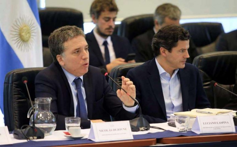 Dujovne presentó cambios tributarios