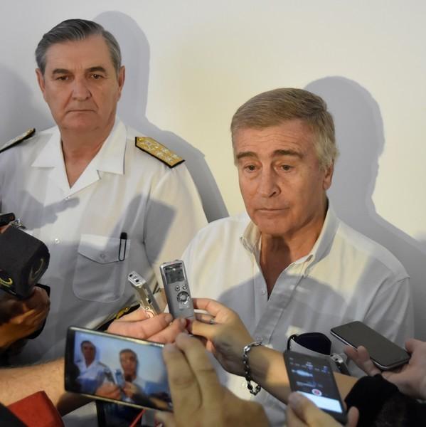 Crisis en la Armada: suspenden a un alto oficial y otros cuatro piden el pase a retiro