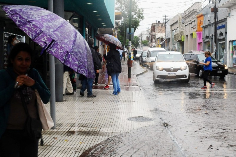 La lluvia llegó acompañada de un frente frío
