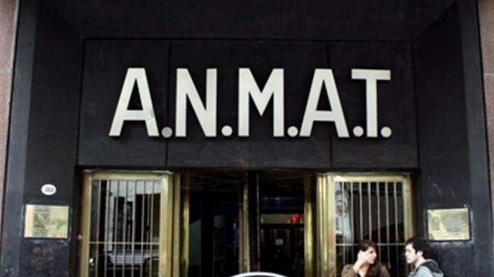 La Anmat prohibió el uso y la venta de un chocolate y de apósitos