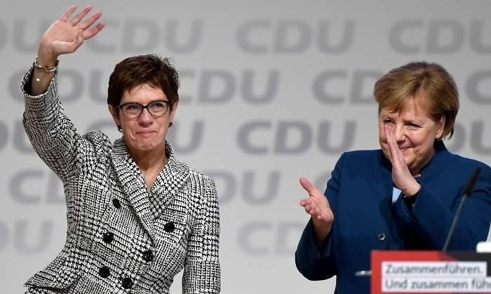 Kramp-Karrenbauer sucesora de Angela Merkel