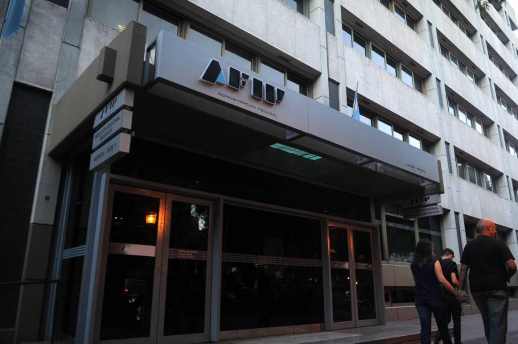 La AFIP analiza cuentas bancarias de argentinos en el exterior