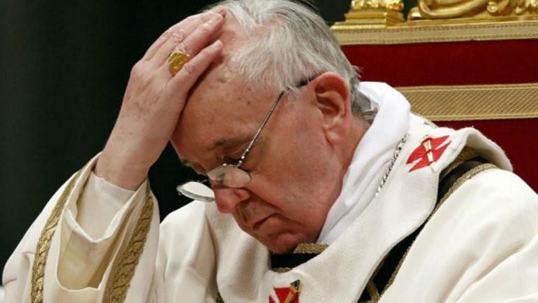 Renunciaron los dos voceros del Papa Francisco