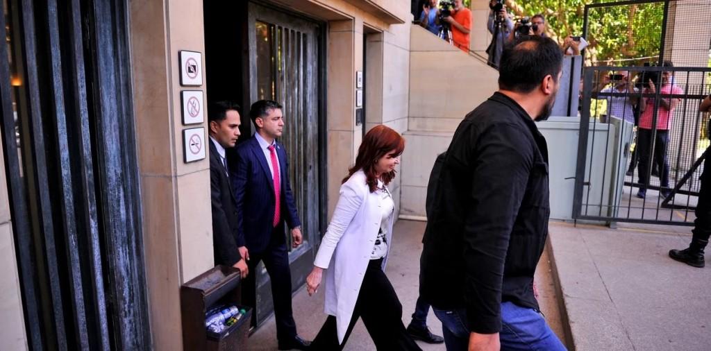 """Cristina Fernandez: se victimizó y dijo: """"La historia ya me absolvió"""""""