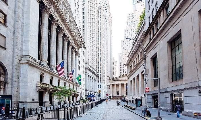 Wall Street salva la jornada por el optimismo de Trump sobre la guerra comercial