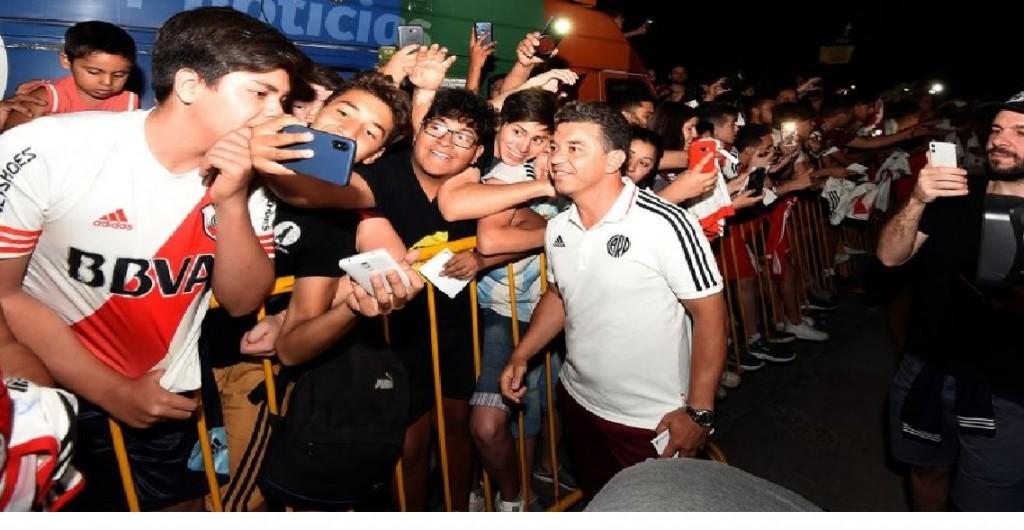 River fue recibido por una multitud en Mendoza
