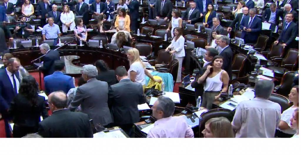 El oficialismo logró quórum en la Cámara para tratar la ley de Emergencia Económica