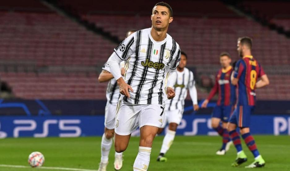 Juventus goleó al Barcelona y le arrebató el primer lugar del grupo