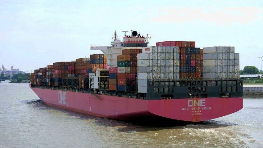 Un buque pierde 2.000 contenedores cargados