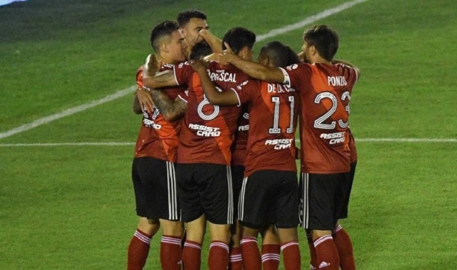 River liquidó a Huracán por la Copa Maradona